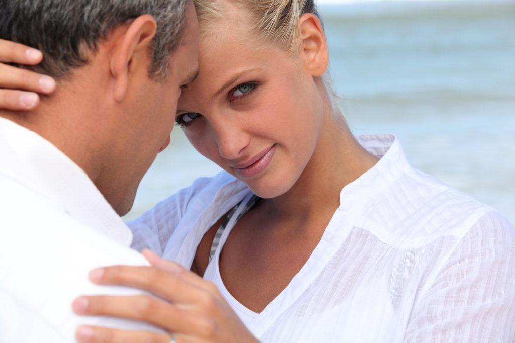 Voyance-amour : La différence d'âge vous bloque